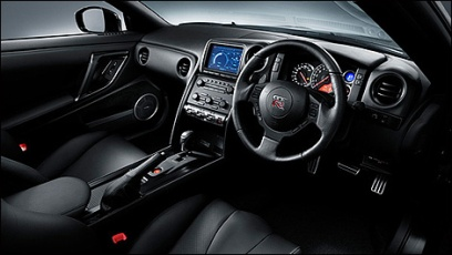 2009-Nissan-GTR-SpecV-2