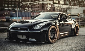 nissan-gt-r-r35-liberty-walk-performance-godzilla-full-black_1-630x380